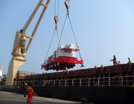 Boat Loading: Ghana/Liberia